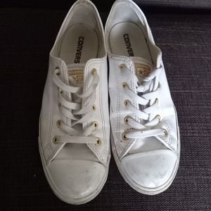 Pre-Owned womens Converse size 9